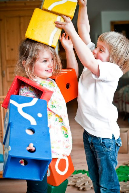 Niños jugando - Aldeas Infantiles SOS de España