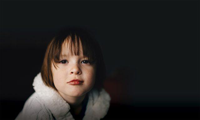 Más de 300.000 niños están en riesgo de perder el cuidado parental en España