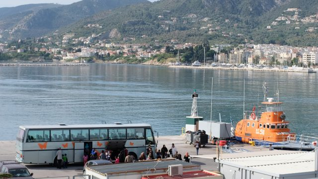 Greece_ERP_Refugees-at-Mytilene-port_photo-by-Timothy-Spence