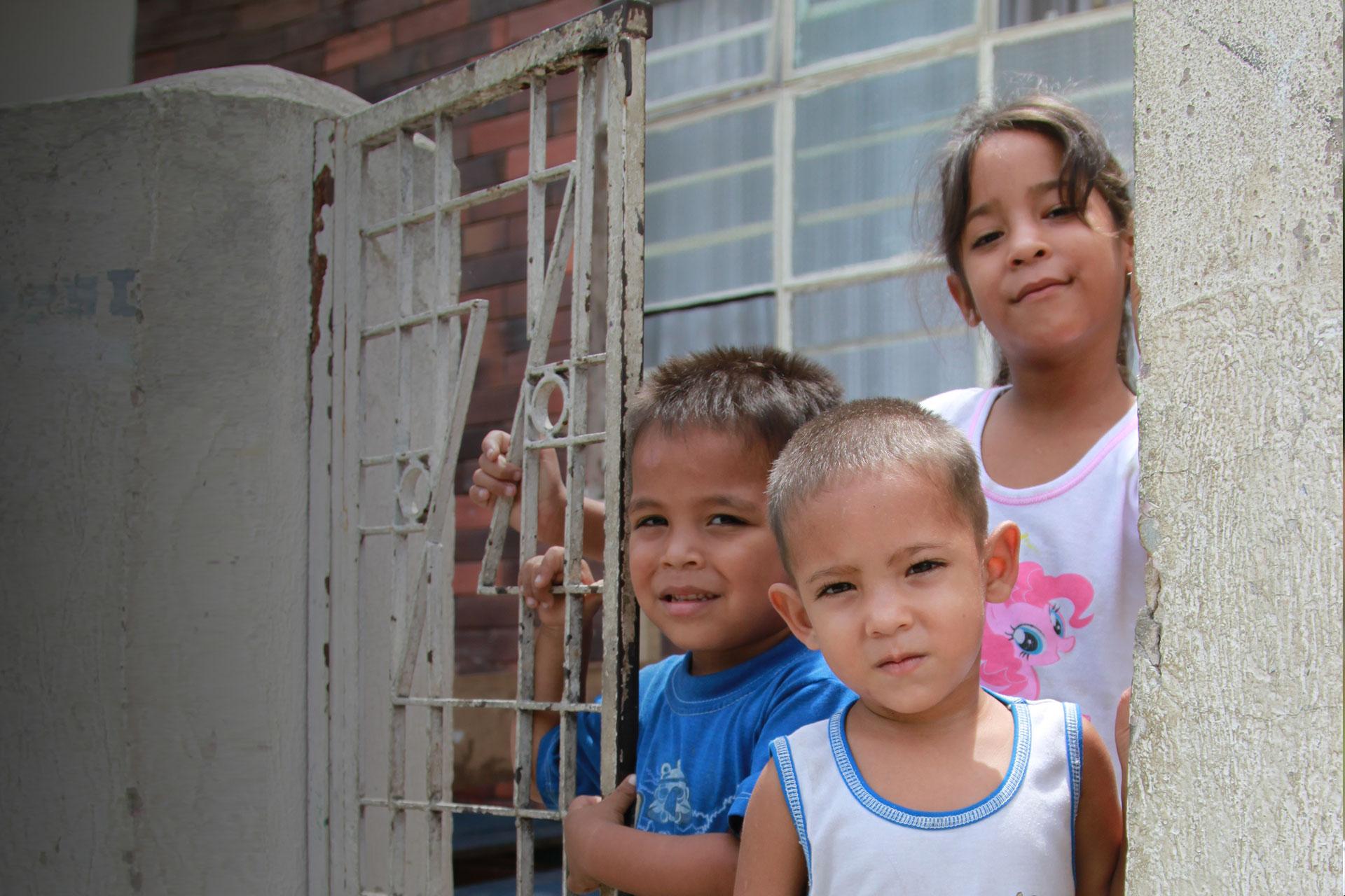 Crisis de niños migrantes venezolanos