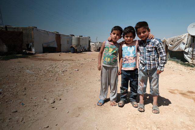 Ayuda a los niños refugiados