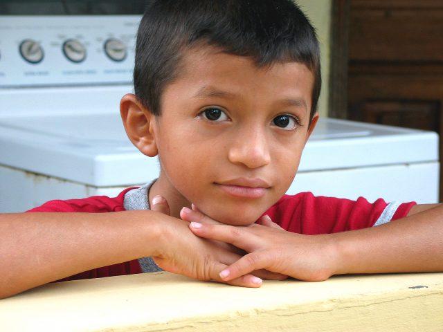 Aldeas con los niños en Honduras