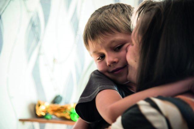 Incrementa el número de niños que han perdido el cuidado de sus padres
