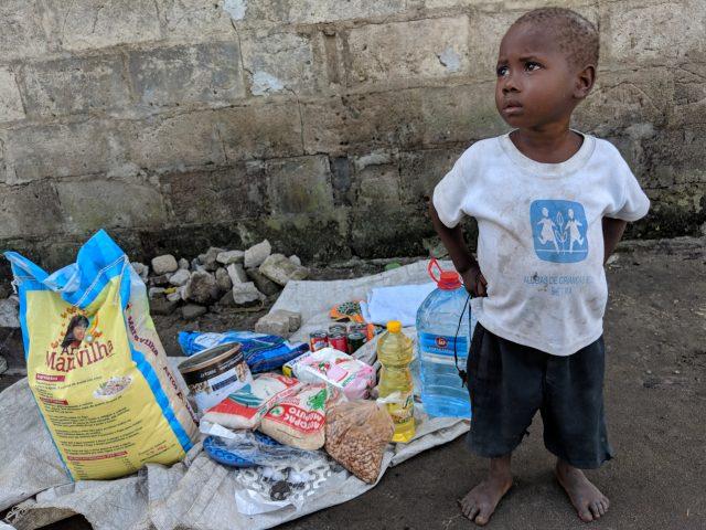 Niños afectados por el ciclón en Mozambique