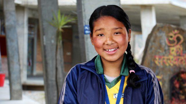 Respuesta de Emergencia de Aldeas: La reconstrucción de un colegio en Nepal